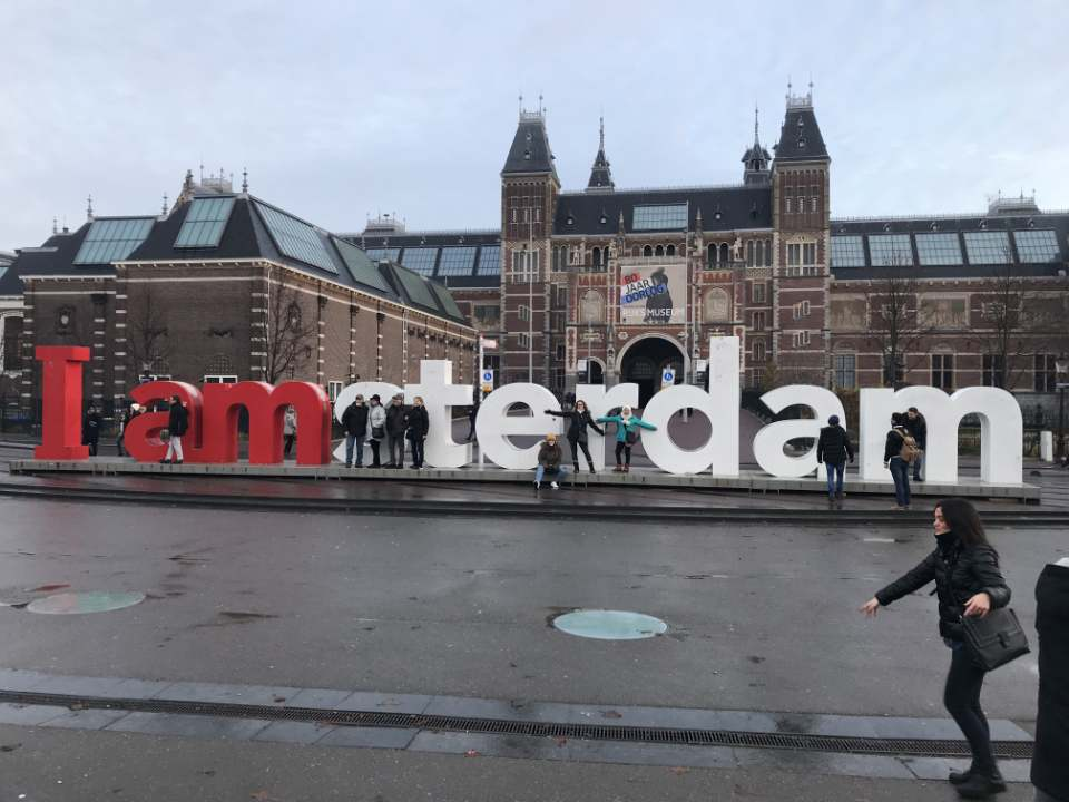 I Amsterdam in from of the Rijksmuseum